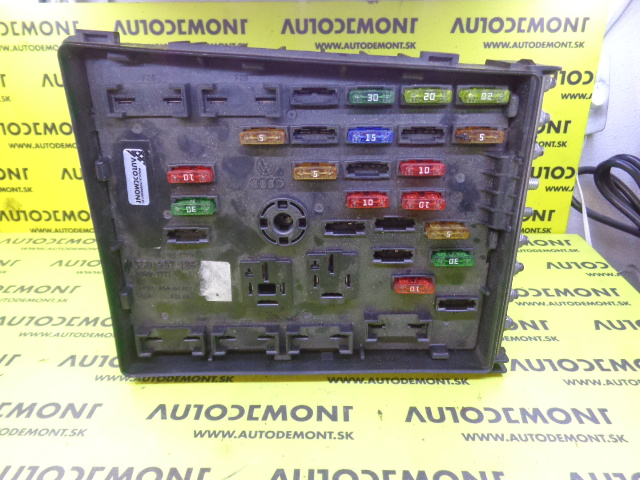 3c0937125 fuse box vw passat 2005 2009 passat cc. Black Bedroom Furniture Sets. Home Design Ideas