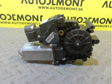 4B0959802E - Front right window regulator motor