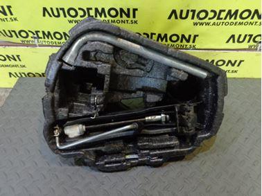 Tool Kit 1U0 1U 1U0011031A 1J0012115M - Skoda Octavia 1 1U 2003 Laurin & Klement 1.8 T 110 kW AUM FDC