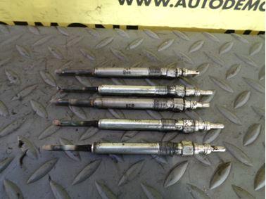 059963319A 059963319H - Glow plugs