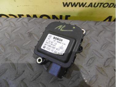 Heater flap motor 4B1820511C - Audi A6 C5 4B 2003 Allroad Avant Quattro 2.5 TDI 132 kW AKE EYJ