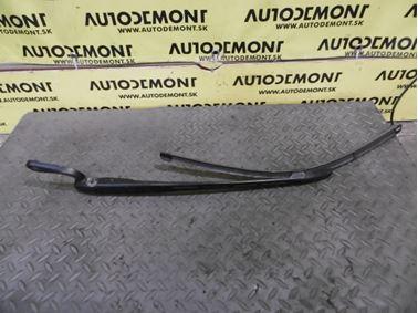 Front left windshield wiper arm 4B1955407D - Audi A6 C5 4B 2003 Allroad Avant Quattro 2.5 TDI 132 kW AKE EYJ