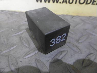 4D0907131 382 - Interior light relay