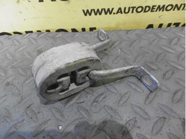 Exhaustion pipe holder & bracket 8D0253147E - Audi A6 C5 4B 2003 Allroad Avant Quattro 2.5 TDI 132 kW AKE EYJ