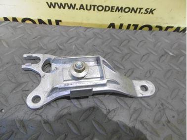 Arm Rest Holder 4B0864283 - Audi A6 C5 4B 2003 Allroad Avant Quattro 2.5 TDI 132 kW AKE EYJ