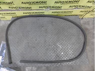 4L0823731 - Front hood weather stripping seal - Audi Q7 2007 - 2015