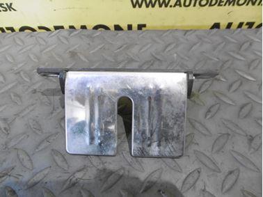Tailgate lock cover 4B9827085D - Audi A6 C5 4B 2003 Allroad Avant Quattro 2.5 TDI 132 kW AKE EYJ