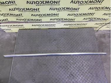 4D0853334 - Front right window seal - Audi A8 1994 - 2003