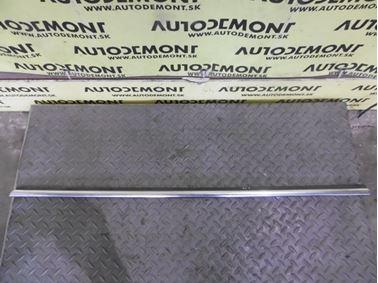 4D0853768A - Rear right window seal - Audi A8 1994 - 2003