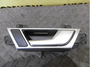 Rear right interior door handle 4F0839020F - Audi A6 C6 4F 2008 Avant Quattro S - Line 3.0 Tdi 171 kW ASB KGX