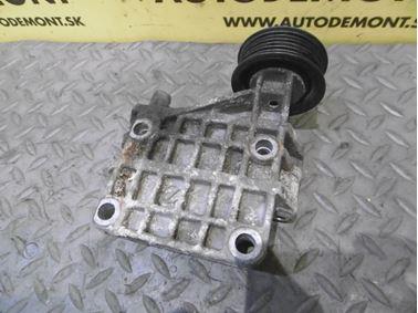 Alternator bracket 059903143K - Audi A6 C6 4F 2008 Avant Quattro S - Line 3.0 Tdi 171 kW ASB KGX