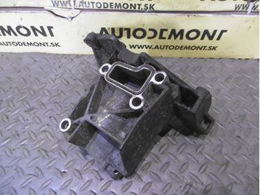 Power steering pump bracket 059145169AA - Audi A6 C6 4F 2008 Avant Quattro S - Line 3.0 Tdi 171 kW ASB KGX