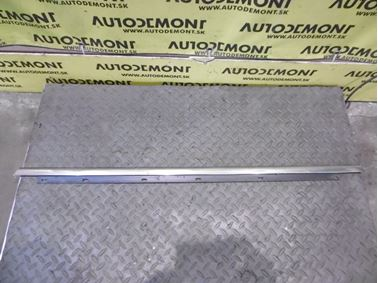 Rear right door molding 8E0853764B - Audi A4 B6 8E 2004 Limousine 1.9 Tdi 96 kW AVF FYA