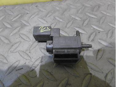 Solenoid vacuum valve 037906283C - Audi A6 C6 4F 2006 Avant Quattro 3.0 TDI 165 kW BMK HVE