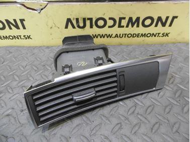 Left air vent 4F1820901C - Audi A6 C6 4F 2006 Avant Quattro 3.0 TDI 165 kW BMK HVE