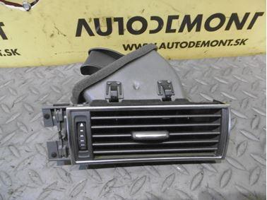 Right air vent 4F1820902B - Audi A6 C6 4F 2006 Avant Quattro 3.0 TDI 165 kW BMK HVE