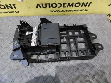Fuse box 4F0971845 - Audi A6 C6 4F 2006 Avant Quattro 3.0 TDI 165 kW BMK HVE