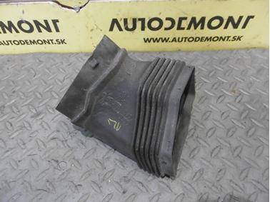 Air intake guide 4F0129739B - Audi A6 C6 4F 2006 Avant Quattro 3.0 TDI 165 kW BMK HVE