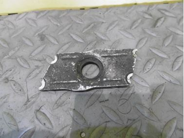Fuel injector holder 059103113E - Audi A6 C6 4F 2006 Avant Quattro 3.0 TDI 165 kW BMK HVE