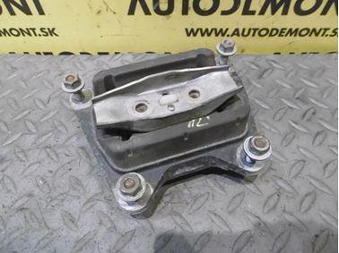 Gearbox holder & mount & bracket 4F0399151AM - Audi A6 C6 4F 2006 Avant Quattro 3.0 TDI 165 kW BMK HVE