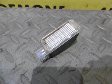 Interior light 4B0947415A - Audi A6 C6 4F 2006 Avant Quattro 3.0 TDI 165 kW BMK HVE