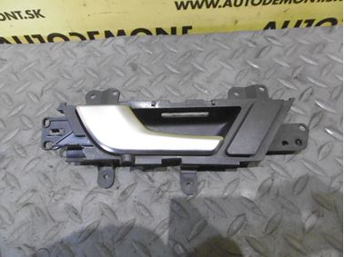Rear left door handle 4F0839019D - Audi A6 C6 4F 2006 Avant Quattro 3.0 TDI 165 kW BMK HVE