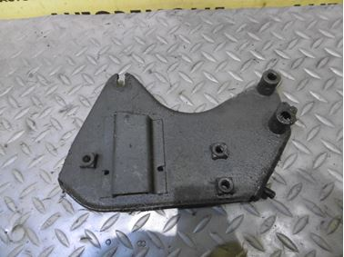 8D0199225D 8D0199225H - Engine holder & mount & bracket