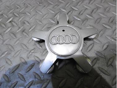 4F0601165N - Wheel center cap - Audi A3 2013 - 2017 A4 2008 - 2015 A4 Allroad 2010 - 2016 A6 2005 - 2018 A6 Allroad 2007 - 2018 A7 2011 - 2018 A8 2008 - 2017 Q5 2009 - 2017