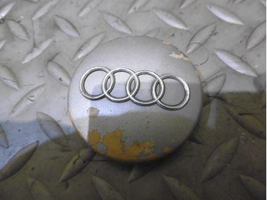 4B0601170 - Wheel center cap - Audi A1 2011 - 2018 A2 2000 - 2005 A3 1997 - 2013 A4 1998 - 2008 A6 1998 - 2011 A6 Allroad 2000 - 2005 A8 1999 - 2010 A4 Cabriolet 2003 - 2009