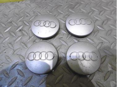 8D0601170 - Wheel center caps - Audi A3 2004 - 2013 A4 1999 - 2005 A6 1998 - 2005 Q7 2007 - 2015