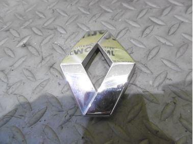 Emblem & Badge Renault 8200027424 - Renault Laguna II 2003 Grandtour 1.9 dCi F9Q 88 kW