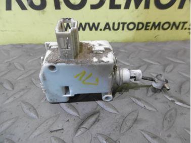 Release central locking motor 3B0959781B - Skoda Octavia 1 1U 2002 Limousine Elegance 1.9 Tdi 81 kW ASV EGS
